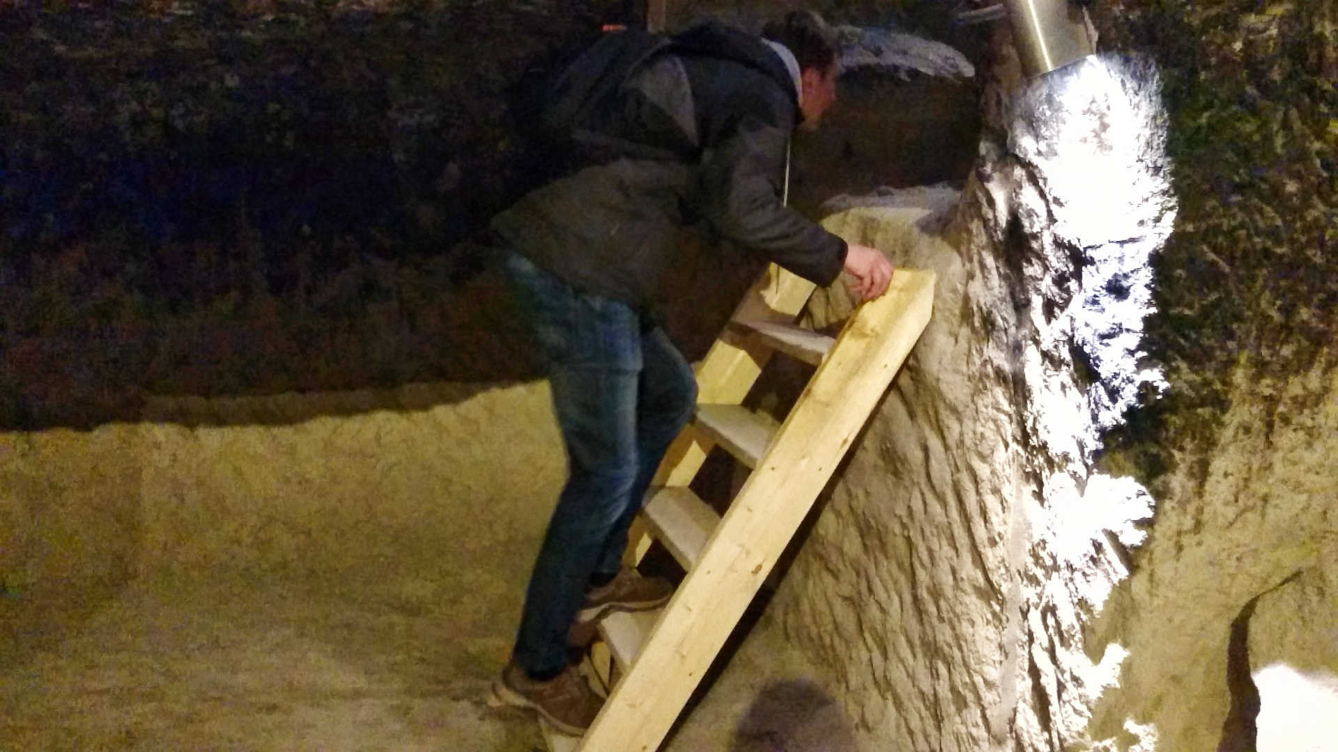skalne miasto wardzia tunel 1