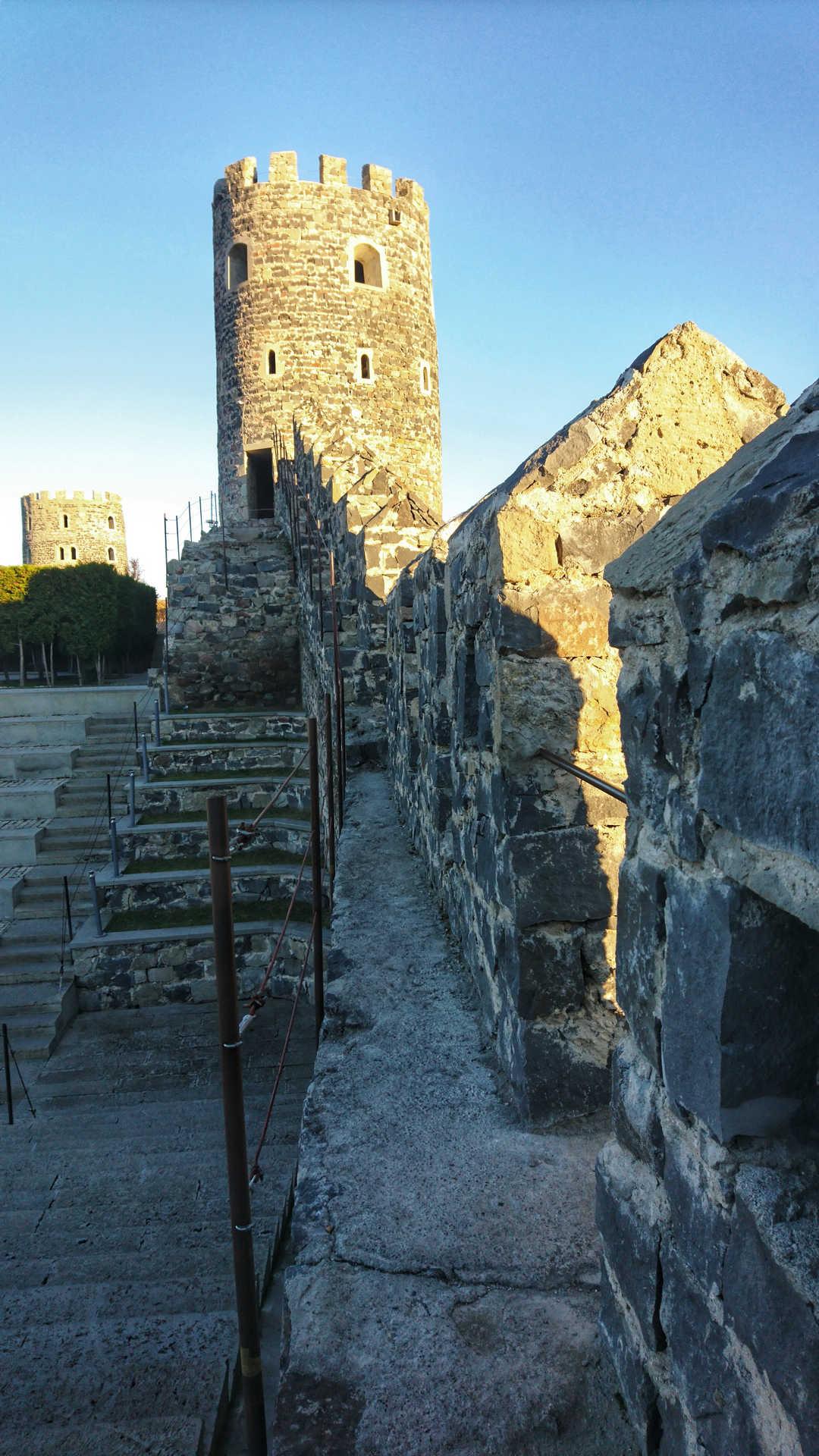 Akhaltsikhe - mury zamku