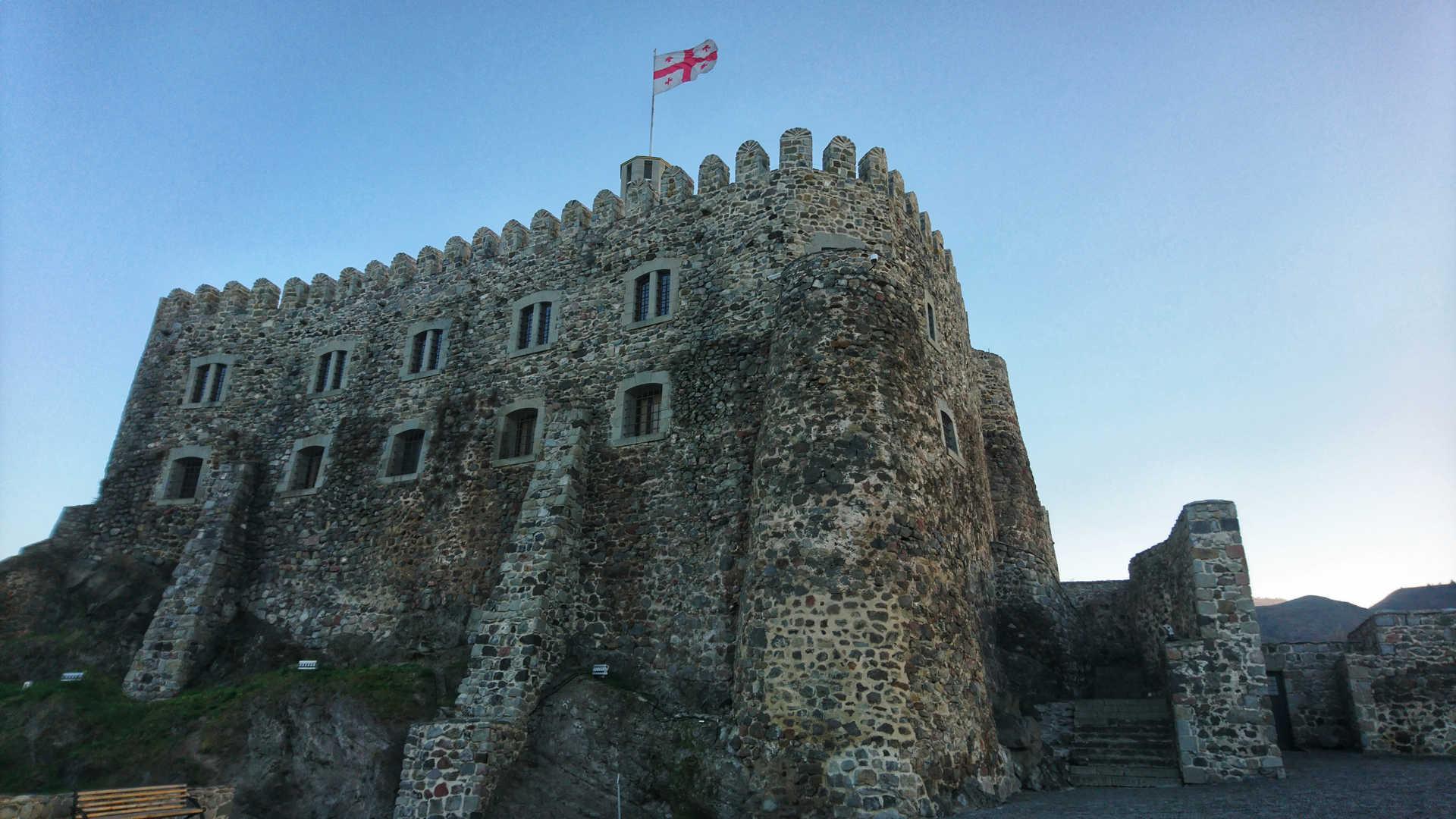Akhaltsikhe - zamek z bliska