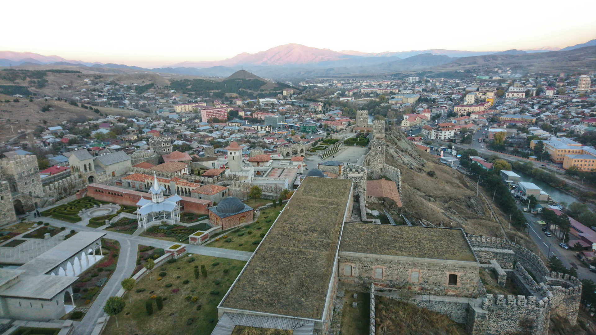 Akhaltsikhe - widok z góry na kompleks