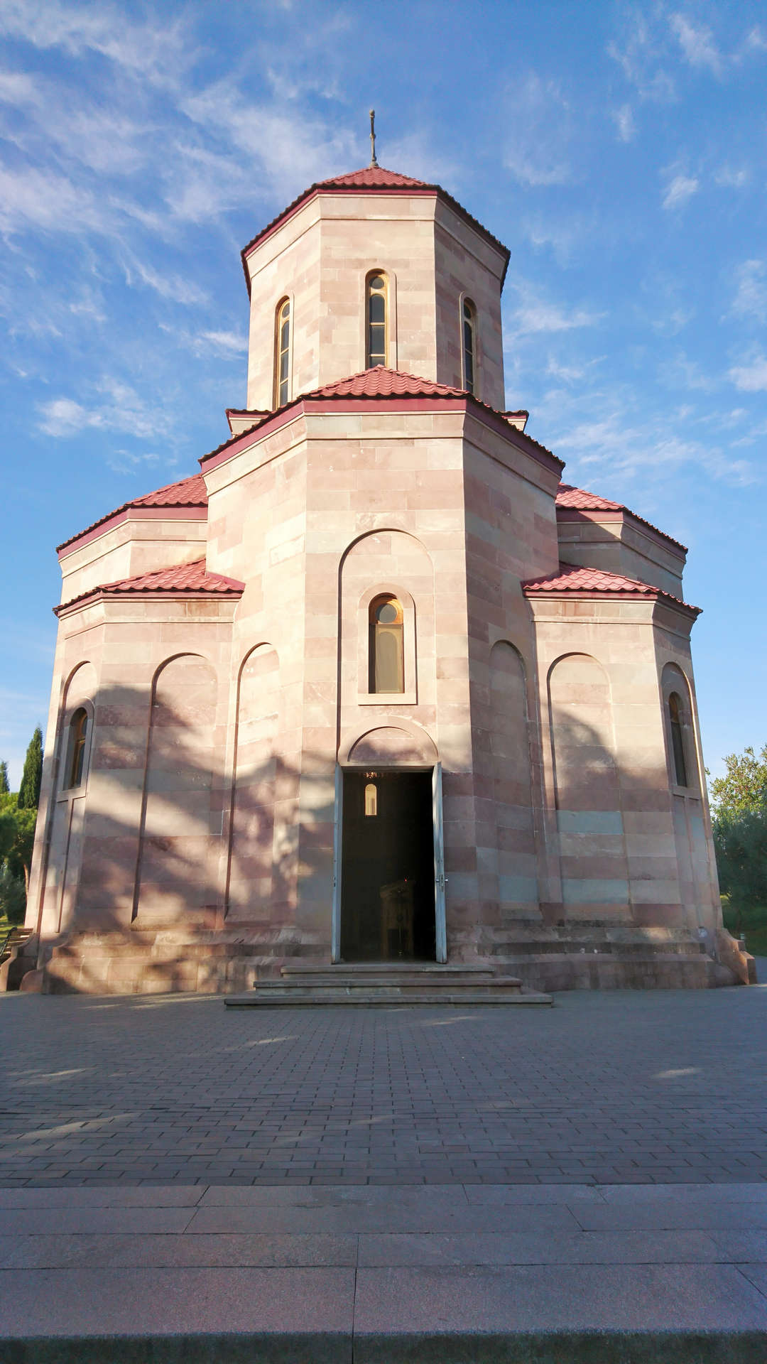 Zwiedzanie Tbilisi - sobór Trójcy Świętej 1
