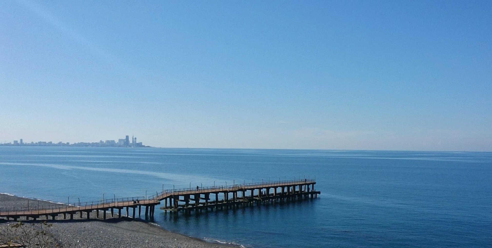 Batumi - morze przy ogrodzie botanicznym