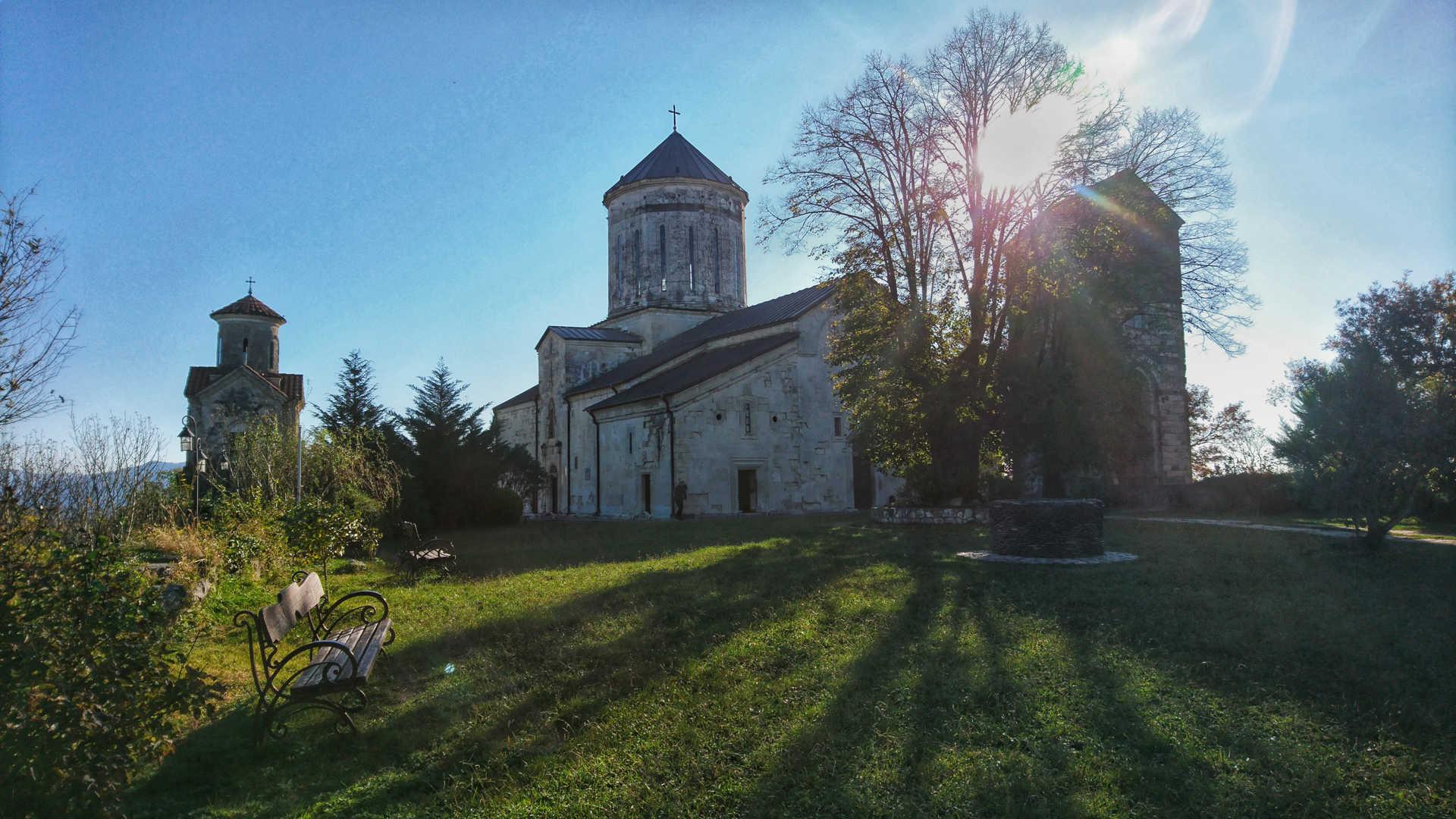 Kutaisi i okolice - Monatyr Martvili cerkiew